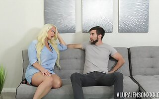Fucking awesome housewife Alura Jenson gives a blowjob coupled with boobjob