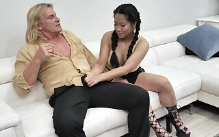 Alona Bloom and Katie Morgan give this guy the total knock out
