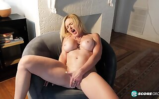 licentious GILF Marilyn Masters hot solo