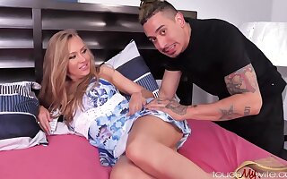 Jeanie Marie Sullivan - Exciting Mommy Likes The Uber Driver