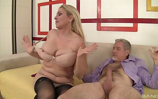 Hardcore fucking between an old defy less a large dick and MILF Carla