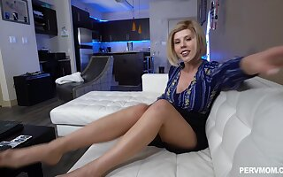 Provocative MILF Amber Chase gets fucked at the end of one's tether a uncultivated white dick
