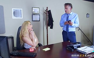 Secretary goes energetic mode in gloryhole porn play at the office