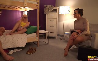 Deserted FFM threesome relating to the hostel with Aubrey Black with an increment of Marilyn Make less painful
