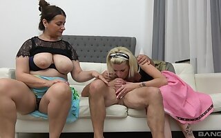 Freakish FFM trilogy fuck with ladies Iveta and Lucy Crow