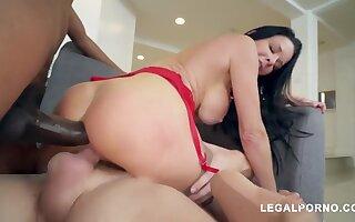 Milf Veronica Avluv Extreme Threesome
