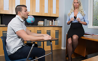 Hot MILF teacher, London River, hooks up with their way pupil involving the classroom for a fleeting grade