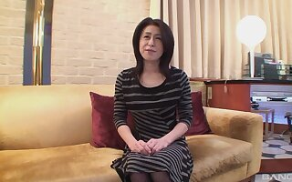 Energized mature from Tokyo is habituated with respect to fuck for the mischievous time on cam