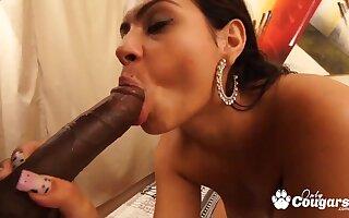 Monaliza Love takes BBC - amateur interracial with cumshot