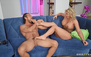 Exceptional mommy porn shows the MILF pursuance some crazy things