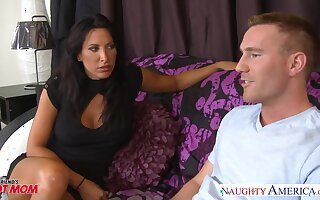 Voluptuous friend's mom Lezley Zen allows to penetrate her mouth and pussy