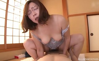 Cramped second-rate Japanese mature rides the interview like she's 19 again