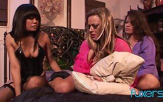 Annie Cruz Jaded Dawn Shay Lynn kinky lesbian domination