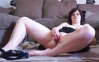 German BBW masturbates and gets interupted by neighbour!