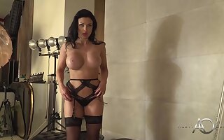 Cock loving milf with huge boobs, Aletta Ocean is posing ahead for time the webcam