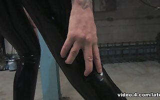Becky Holt plateau Top and Leggings - LatexHeavenVideo