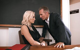 Sexy teacher gets laid in class and in the course of time jizzed insusceptible to face