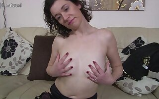 British Housewife Playing With Her Moist Pussy - MatureNL