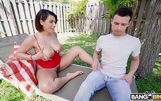 Berate is spying on hot nextdoor chick sunbathing in ties